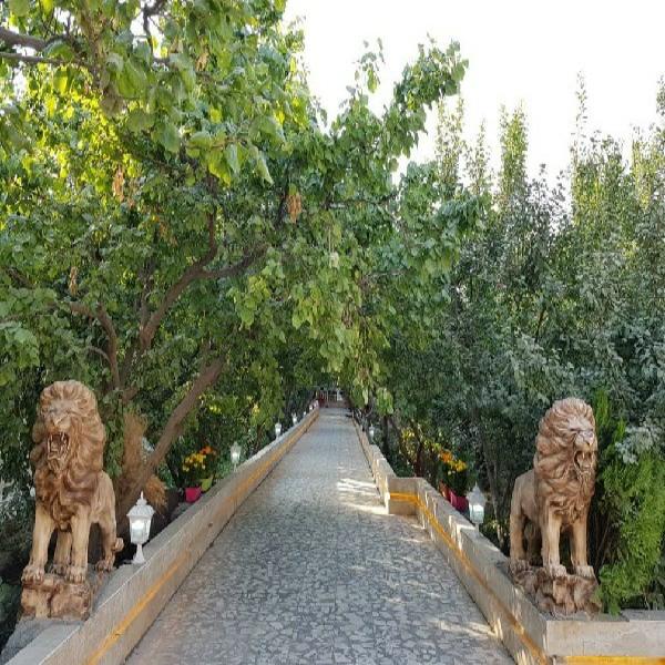 باغ ۱۹۰۰ متر بنا قدیمی کردزار فووول