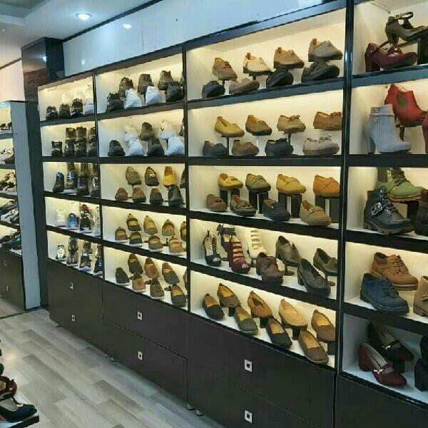 دکور کفش فروشی